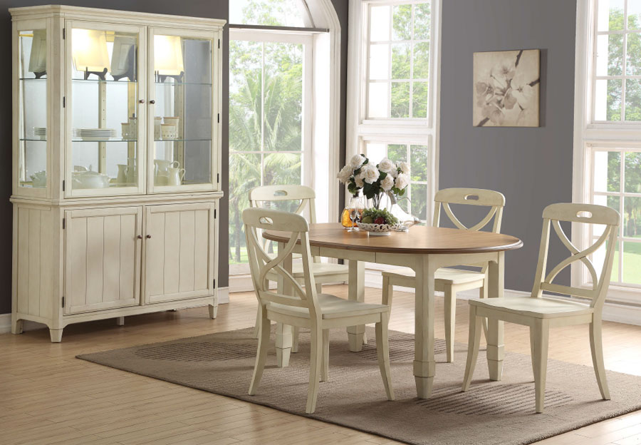 Panama Jack Millbrook Round Dining Table with Four Chairs