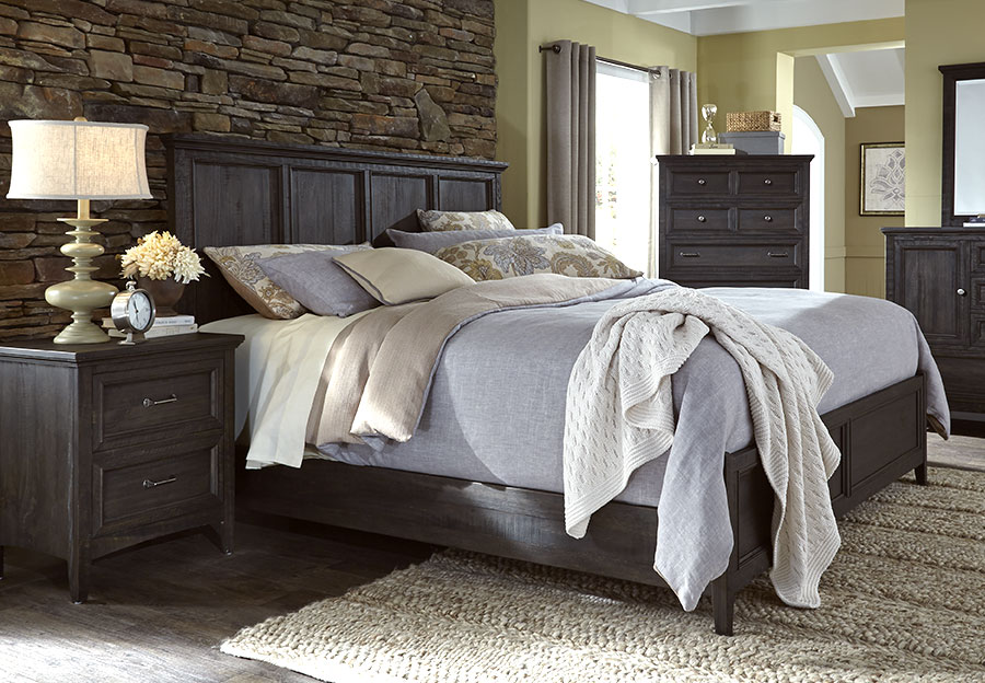 Magnussen Mill River 3 Piece Queen Bed Set, Weathered Charcoal Finish.
