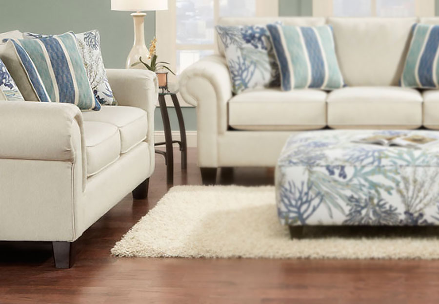 Fusion Loveseat in Keynote Linen with Accent Pillows